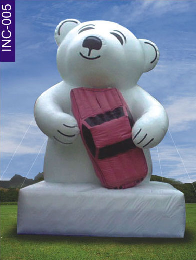 Lustra Bear with Car